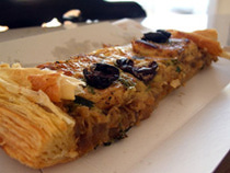 Pissaladière with puff pastry
